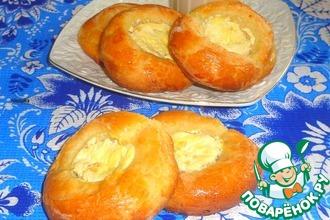Рецепт: Ватрушки с творогом и ананасами