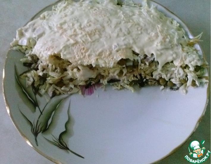 Рецепт: Салат с кальмарами и капустой