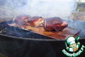 Рецепт: Куриные бедрышки, запеченные на гриль-доске