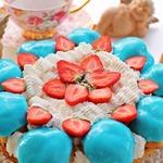 Торт Сент Оноре с профитролями и клубникой