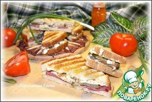 Рецепт Бутерброды-гриль мясные с омлетом и огурцом