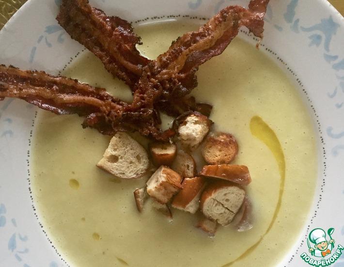 Рецепт: Картофельный суп-пюре с крутонами и беконом