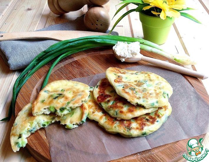 Рецепт: Оладьи с сыром и зеленым луком