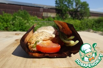 Рецепт: Куриные грудки с томатом и базиликом на барбекю