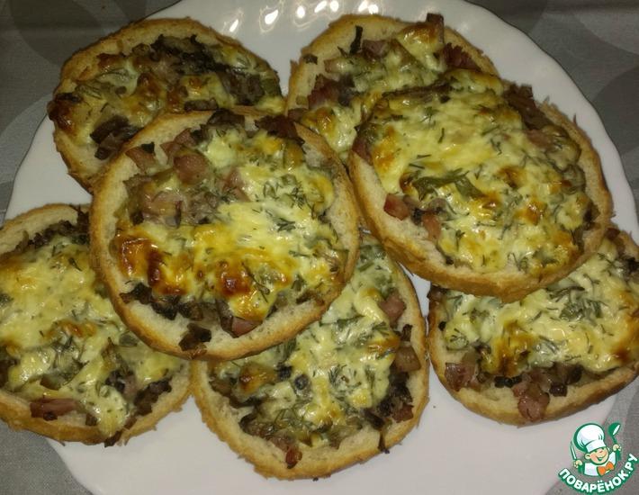 Рецепт: Жюльен на булочке с ветчиной и грибами