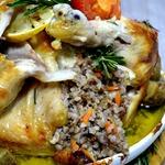Чесночная курица, фаршированная гречкой с розмарином