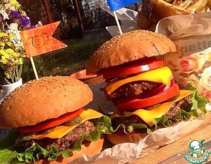 Рецепт: Чизбургеры с картофелем по-деревенски