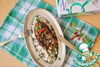 Рецепт: Лосось с острым соусом и рисовым гарниром
