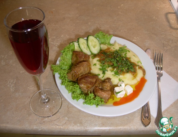 Рецепт: Мясо, тушенное в пивном бульоне