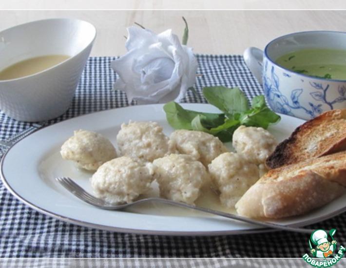 Рецепт: Кнели из щуки с соусом Белое масло