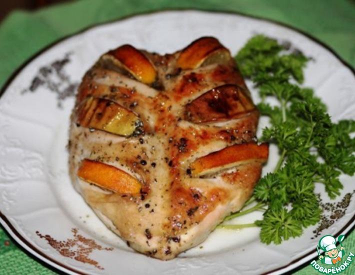 Рецепт: Куриные грудки, запеченные с лимоном и яблоками