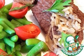 Рецепт: Лангет из говядины в луковом соусе