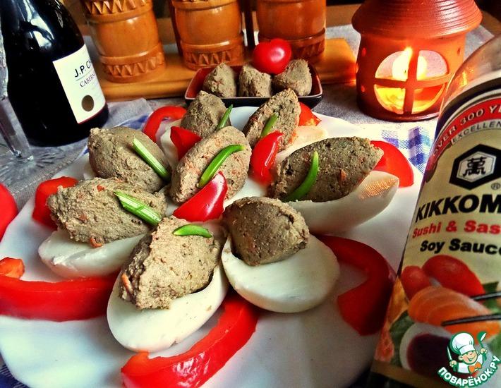 Рецепт: Яйца, фаршированные паштетом