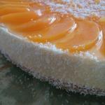 Творожно-персиковый торт с мюсли