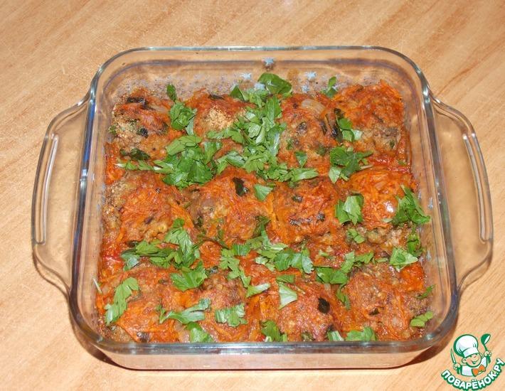 Рецепт: Гречневые тефтели с грибами в томатном соусе