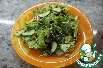 Рецепт: Зелёный салат с пророщенным машем