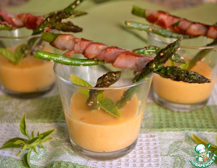 Рецепт: Спаржа с соусом лимон-голландез