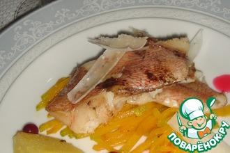 Рецепт: Морской окунь на подложке из тыквы