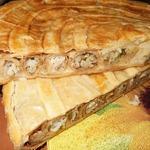 Слоёный пирог с блинными улитками