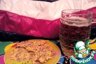 Рецепт: Сырные чипсы с грудинкой к пиву