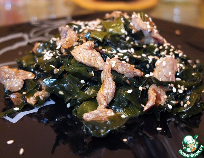 Рецепт: Салат из морской капусты с мясом Меги Ча