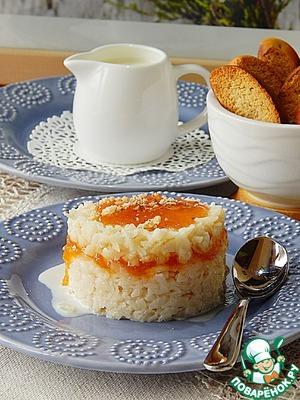 Creamy rice porridge with jam