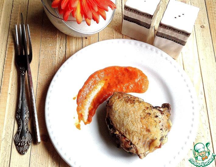 Рецепт: Куриные бедра и овощной соус в СВЧ