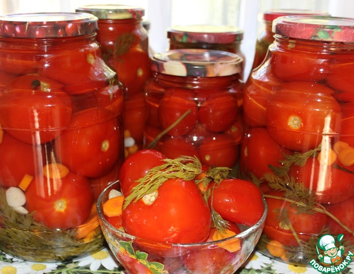 Рецепт: Маринованные помидоры с морковной ботвой