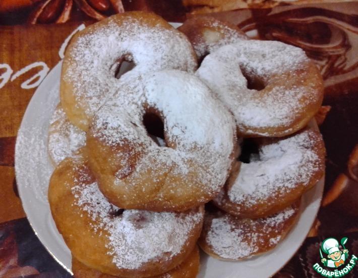 Рецепт: Дрожжевые пончики на сыворотке