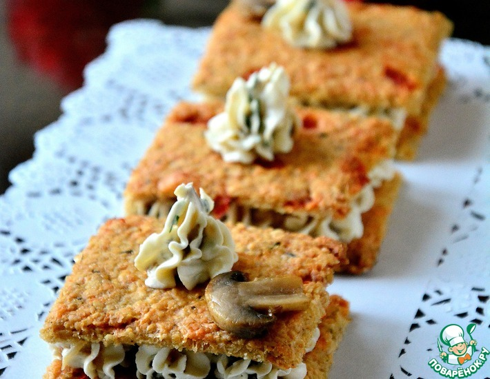 Рецепт: Овсяные крекеры со сливочно-грибным кремом