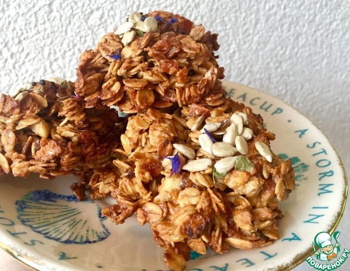Рецепт: Овсяное печенье с курагой и яблоками