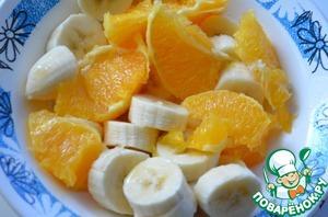 1 orange peel to choose seeds, banana cut into slices.