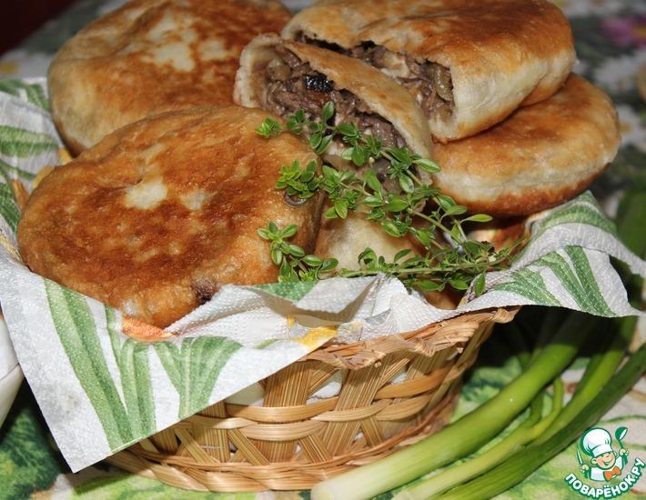 Рецепт: Пирожки с баклажанами, грибами и мясом