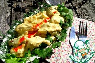 Рецепт: Куриная грудка в сливочном соусе с яблоком и курагой