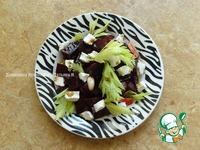 Теплый салат с козьим сыром и запеченной свеклой ингредиенты