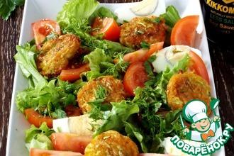 Рецепт: Овощной салат с нежными шариками