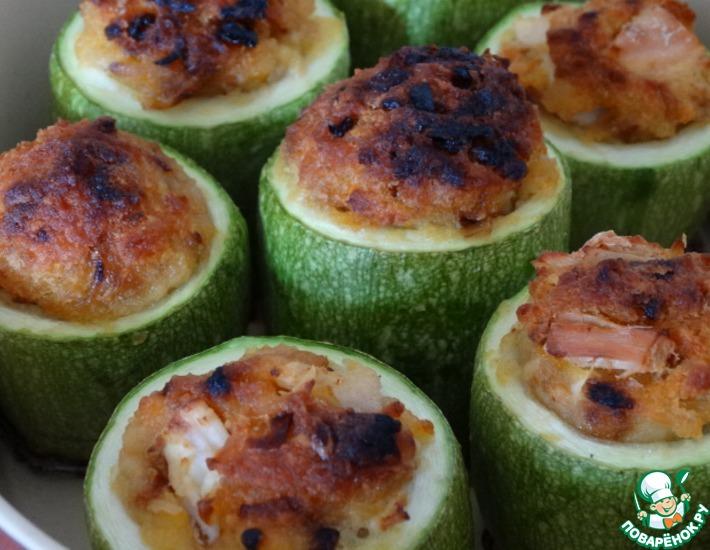 Рецепт: Запеченные кабачки с гороховой начинкой