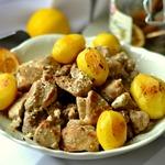 Мясо в лимонно-сметанном соусе