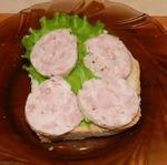 Паровая колбаса из свинины и курицы