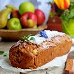 Постный кекс с яблоками и орехами