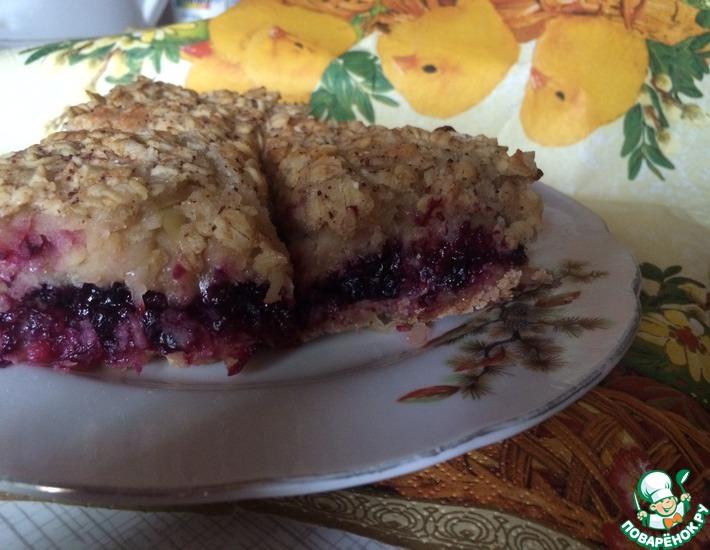 Рецепт: Постный насыпной пирог с фруктами и овсянкой
