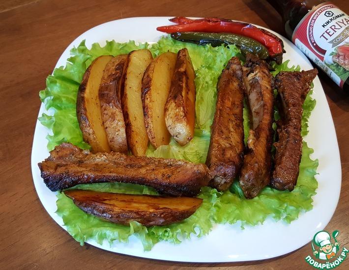 Рецепт: Рёбра с картофелем в духовке