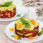 Красный рис с овощами и индейкой