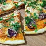 Пицца с маханом и помидорами