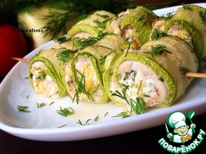 Squash rolls with chicken and cheese