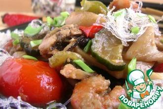 Рецепт: Морепродукты с овощами в остром соусе