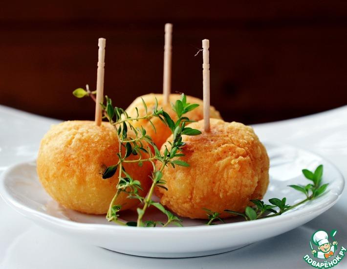 Рецепт: Сырные пончики с тимьяном и овсяными хлопьями
