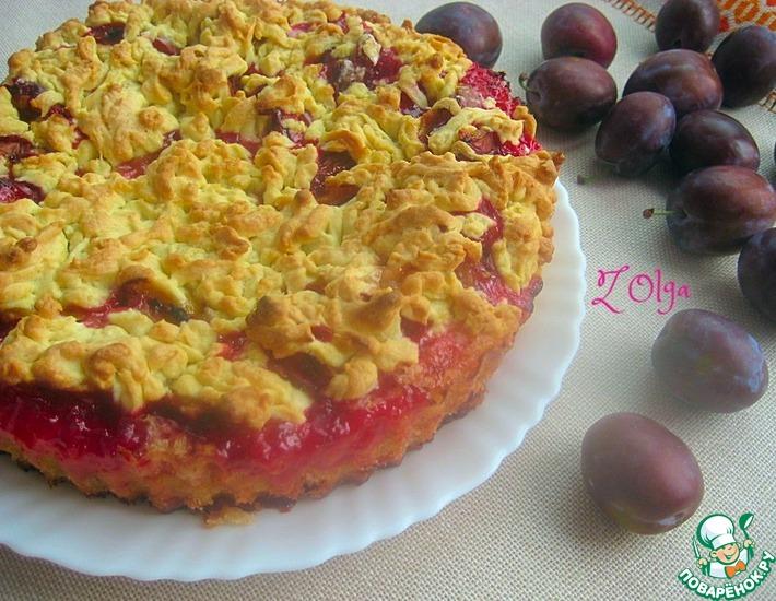 Рецепт: Тертый пирог Слива в пудинге