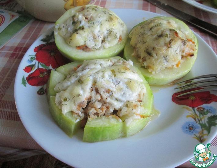 Рецепт: Фаршированные кабачки с мясом под сыром