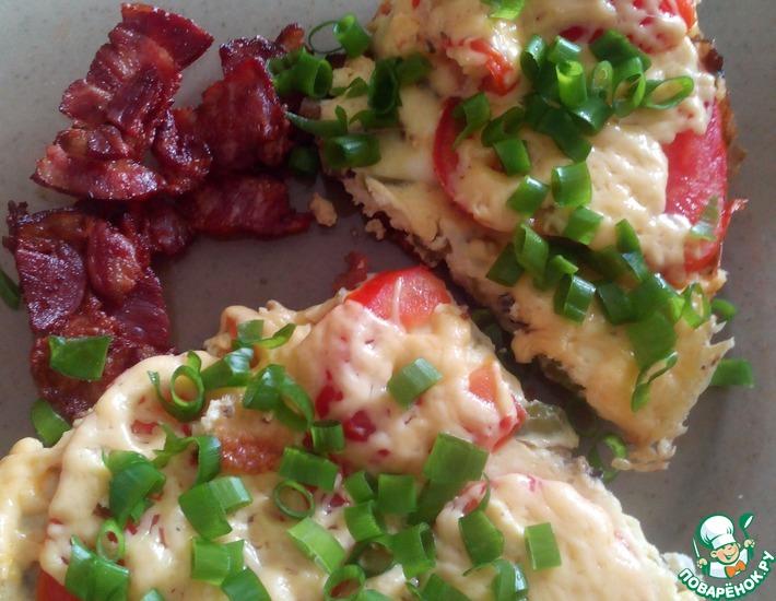 Рецепт: Яичница с беконом и грибами